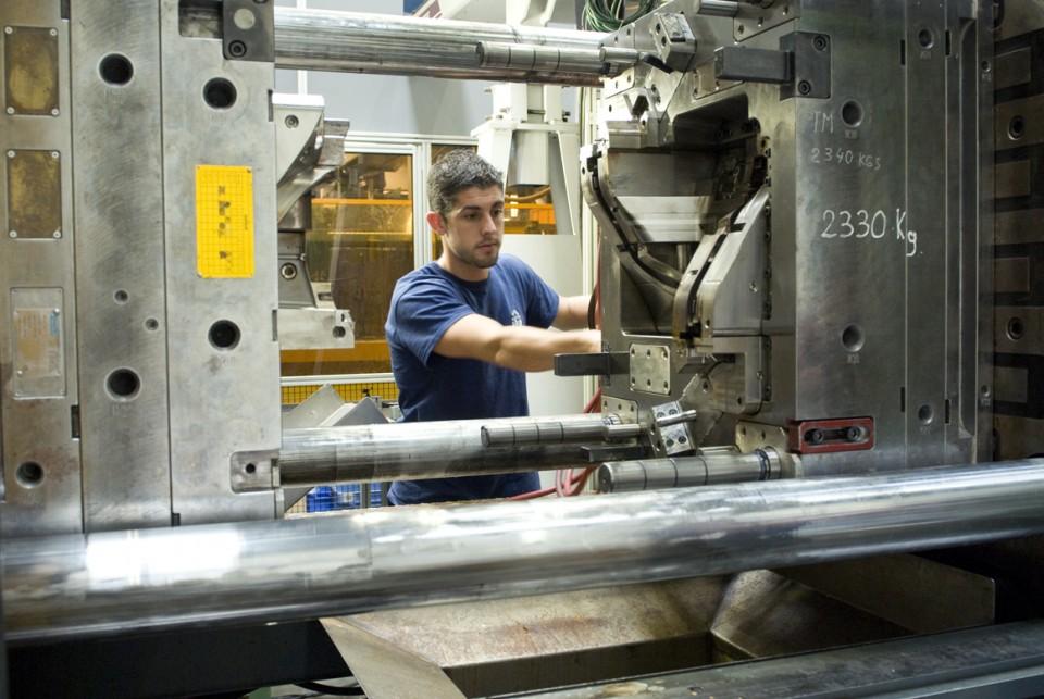 ARaymond, industrie